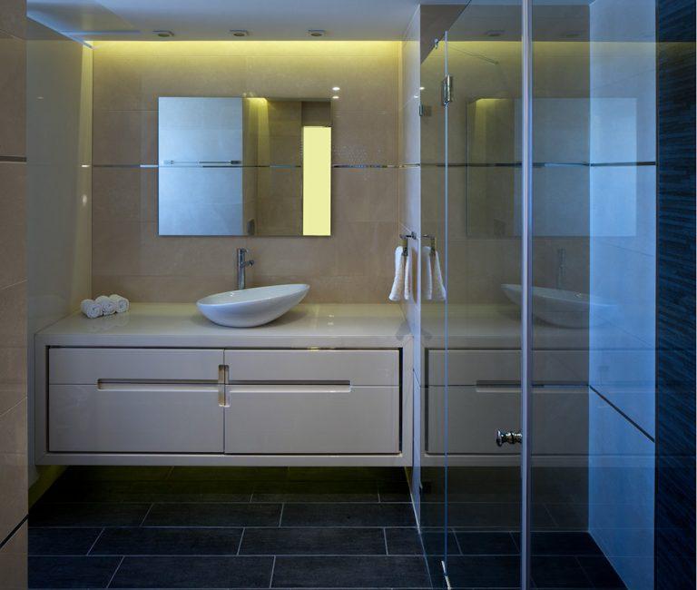 עיצוב חדר אמבטיה בדירת פנטהאוז - רחלי יעיש מעצבת פנים