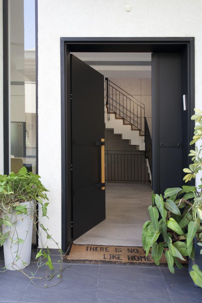 עיצוב מודרני לבית דו קומתי | רחלי יעיש - מעצב פנים במרכז