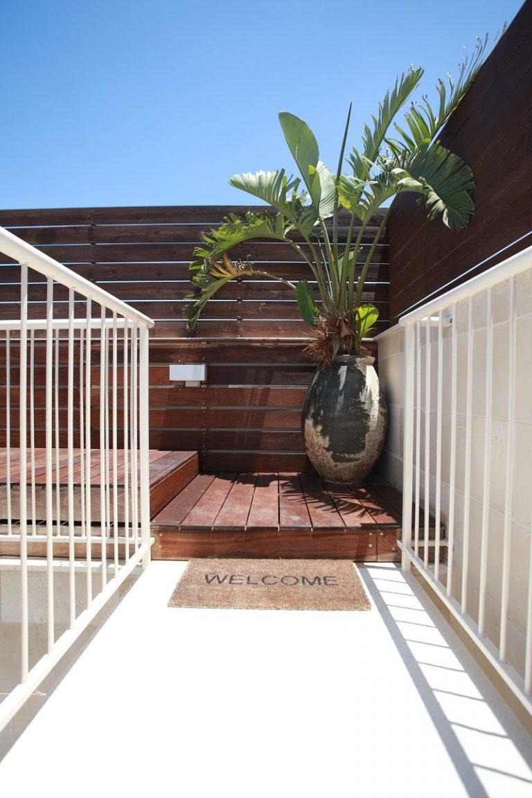 עיצוב בתי יוקרה ומרפסות פנטהאוז באיזור השרון - רחלי יעיש