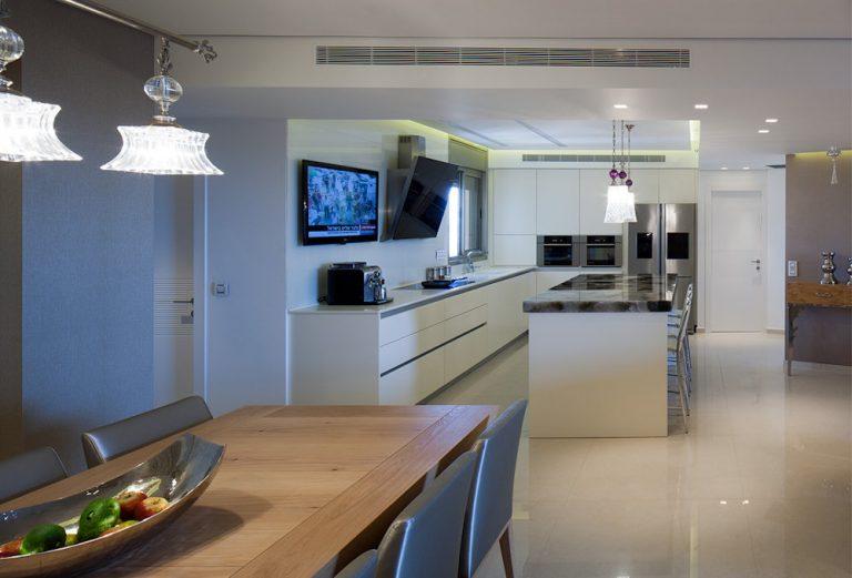 עיצוב מטבח בדירת פנטהאוז - רחלי יעיש מעצבת פנים