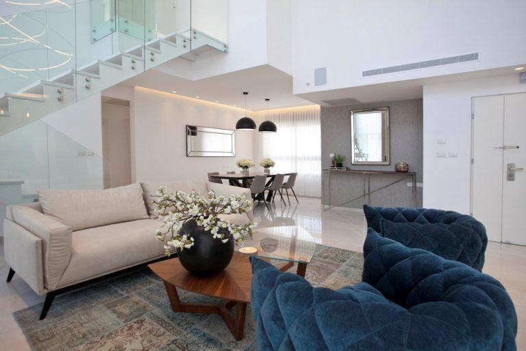עיצוב פנים לסלון בדירת דופלקס יוקרתית - רחלי יעיש