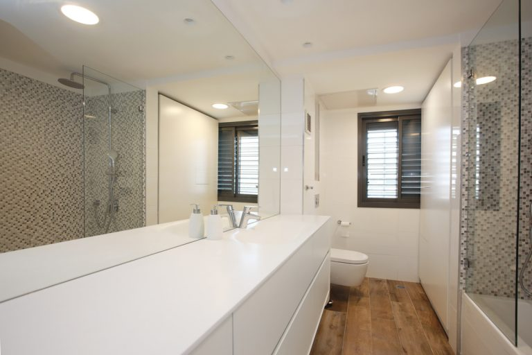 עיצוב חדר אמבטיה - מעצבת פנים בשרון - רחלי יעיש