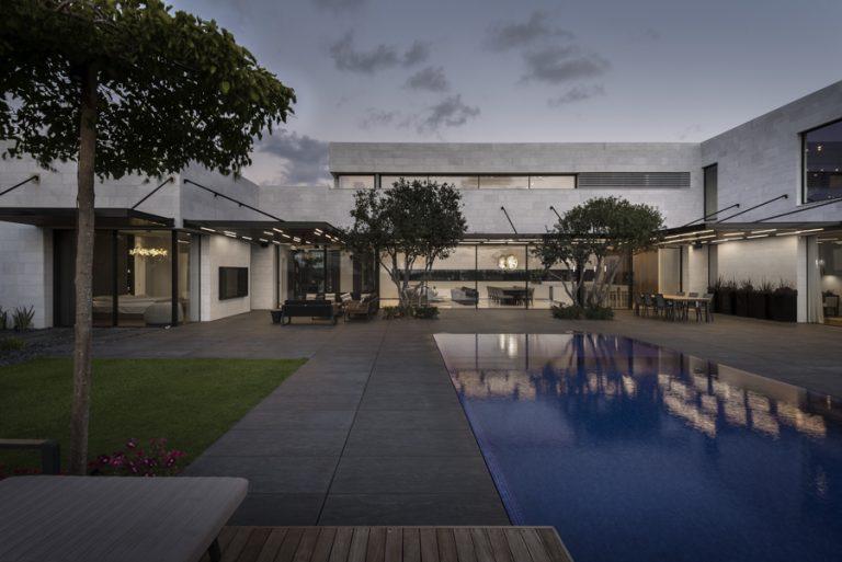 בתים יוקרתיים מעוצבים בסגנון מודרני   רחלי יעיש - עיצוב פנים